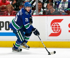 Mike Santorelli (VAN) - Photo by Jeff Vinnick/Vancouver Canucks